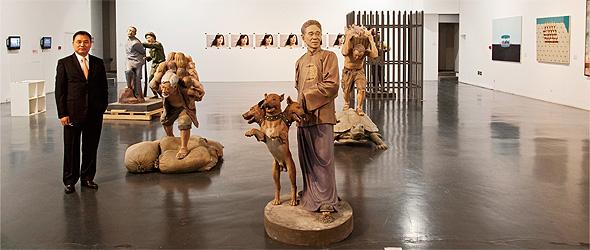 ウォールアート美術館」と李国昌さん