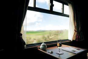 ロイヤル・スコッツマンで往く、優雅な列車旅