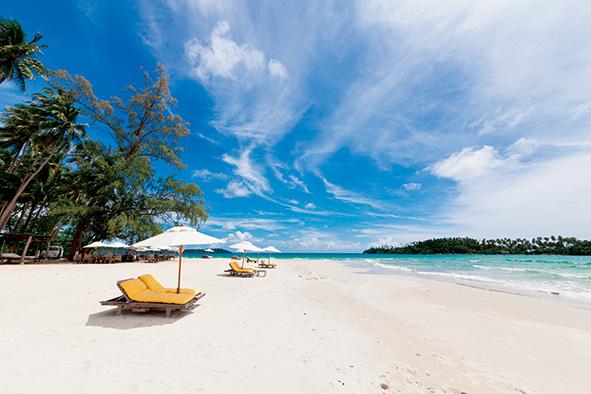 手付かずの自然に抱かれた秘島で過ごすリゾートライフ