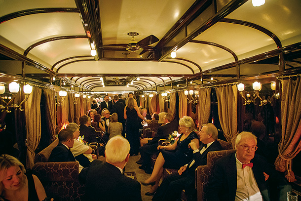 歴史や小説の舞台となった極上なる空間で過ごす列車の旅