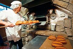 ハイクラスの人たちに愛され続けるパン「浅野屋」