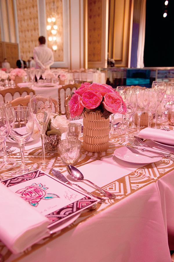 アルベール二世公、カロリーヌ公女 主宰2016年 薔薇の舞踏会への誘い