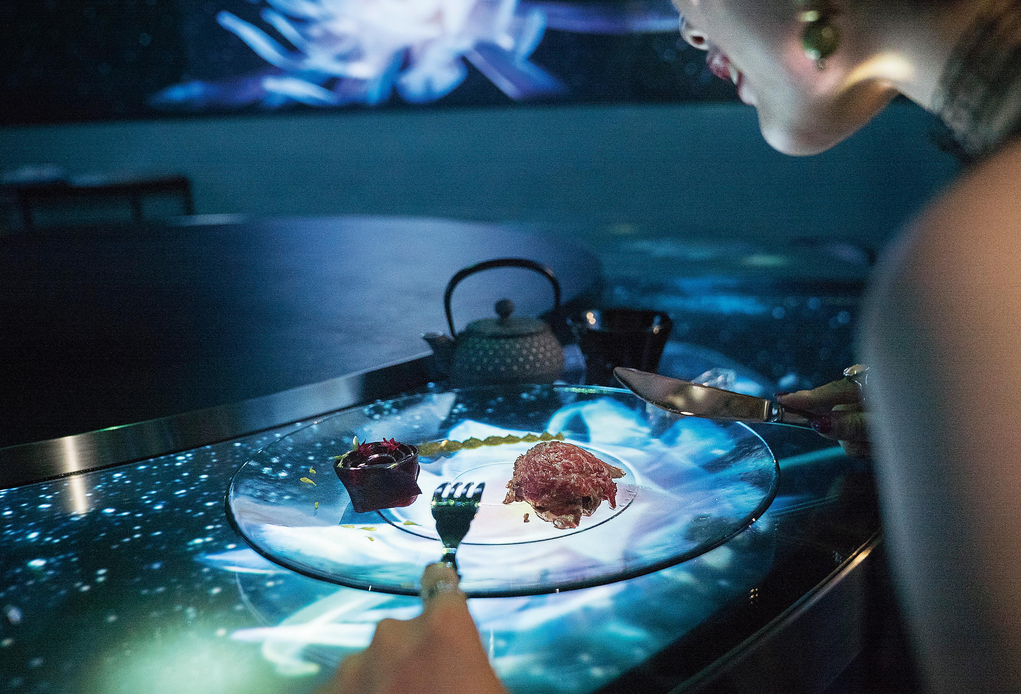 クリエイティブカンパニーNAKED が創りだす食×アートの体験型レストランディナー